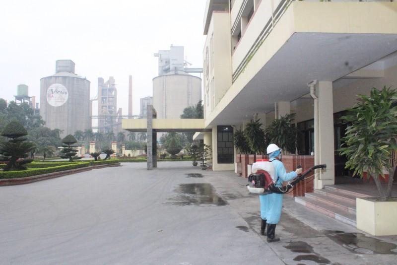 Xi măng VICEM Hoàng Thạch tích cực phòng chống dịch COVID-19.