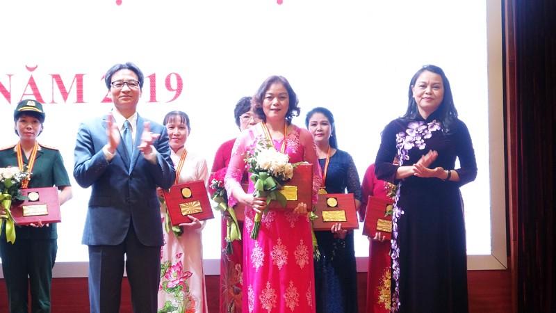 Nữ lao động VICEM vinh dự nhận Giải thưởng Phụ nữ Việt Nam năm 2019